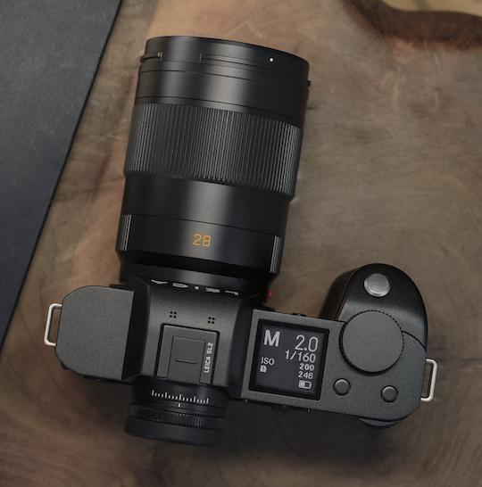 Объектив Leica APO-Summicron-SL 28mm f/2 ASPH. с камерой Leica