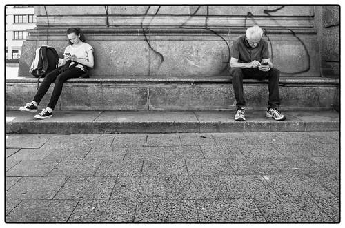 móvil jóvenes niños adolescentes educación