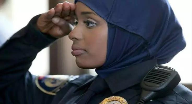 Ευρώπη τέλος! σε 50 100 χρονιά θα ειναι οπως την Αφρική! Γυναίκες αστυνομικοί με χιτζάμπ στην Σκωτία!