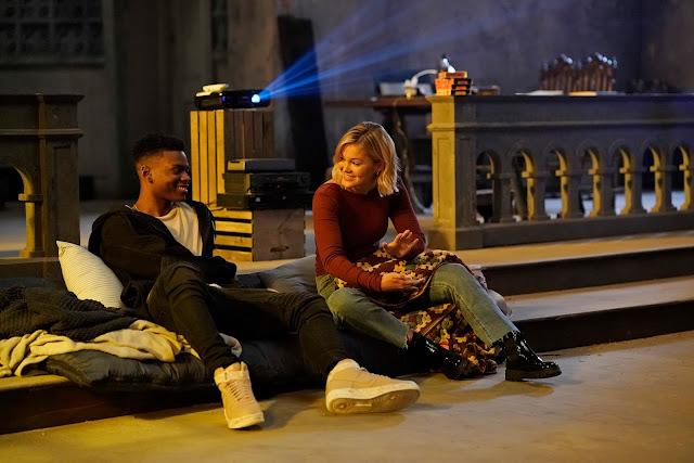 A segunda temporada da série continua explorando drama social e ação eletrizante por meio de dois adolescentes com superpoderes