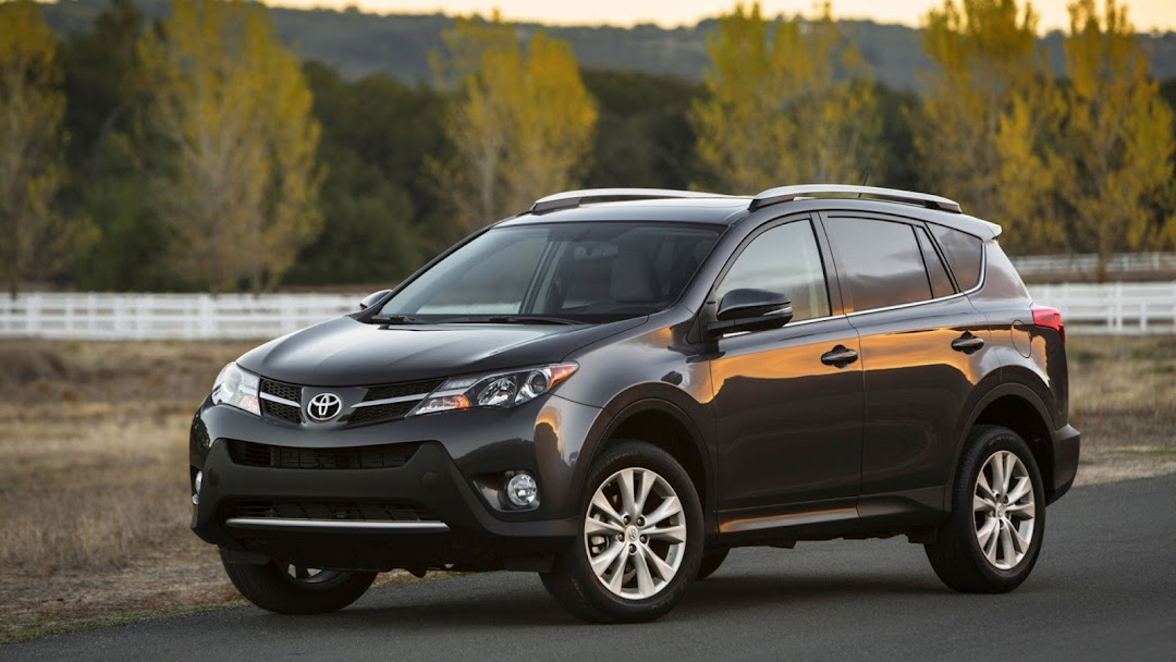 2013 Toyota RAV 4 HD Wallpaper 3