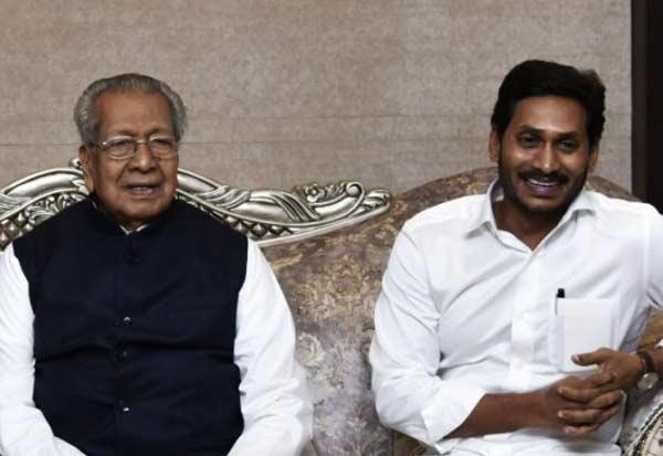 ஆந்திராவில் 3 தலைநகரங்கள்: ஆளுநர் ஒப்புதல் அளித்தார்