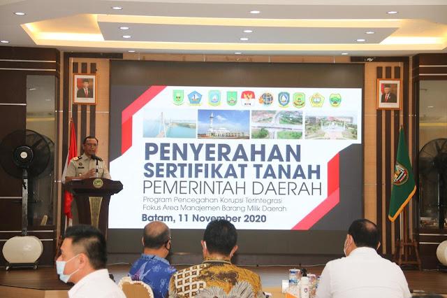 Disaksikan Ketua KPK, Pemko Batam Terima Sertifikat Tanah BPN