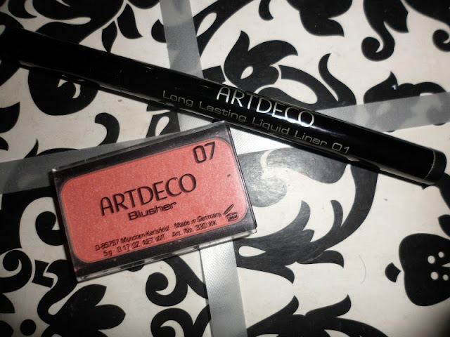 Artdeco blush and long lasting liquid liner swatch&review