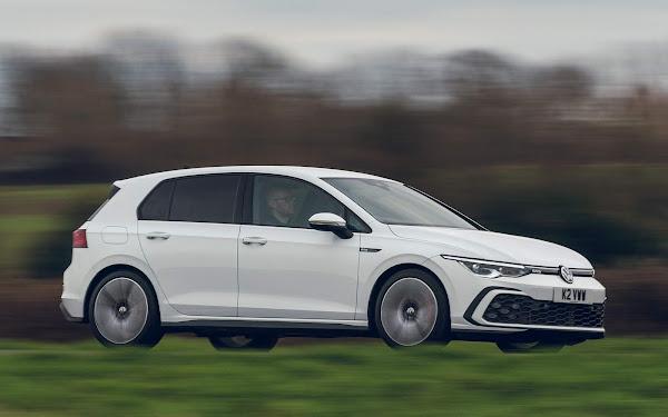 Volkswagen Golf - carro mais vendido da Inglaterra