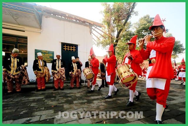 jogja trip travel, jogja tour driver, yogyakarta palace entrance fee, sultan palace yogyakarta entrance fee, kraton palace yogyakarta entrance fee