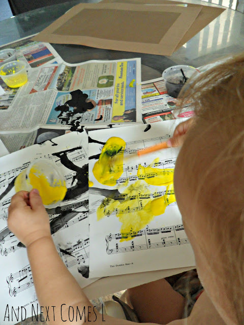 Painting to music with toddlers & bee craft idea