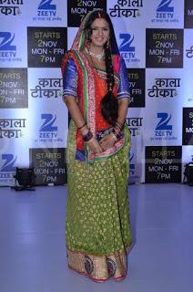 Akshara Singh berperan sebagai Madhuri Vishwaveer Jha