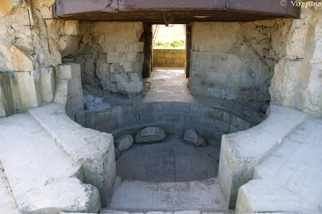 Interno di uno dei bunker di Pointe du Hoc