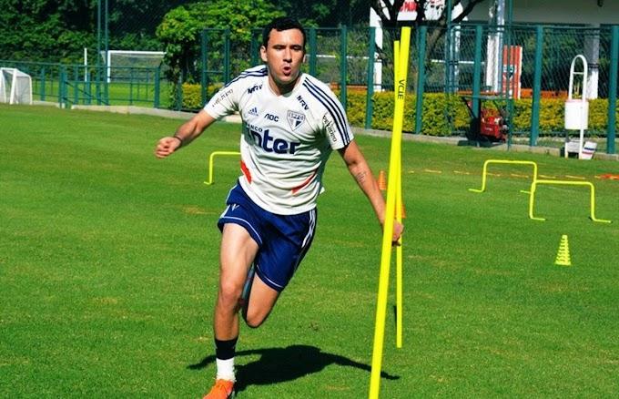 """Diniz reconhece queda de Pablo no São Paulo, mas diz: """"É um jogador que trabalha muito"""""""