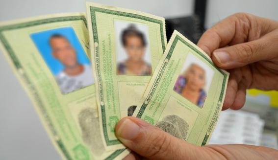 Governo renova convênio e 76 câmaras de vereadores poderão emitir carteiras de identidade