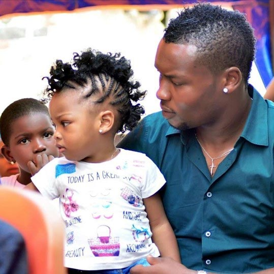 Super Eagles player Godfrey Oboabona and his daughter in cute photos
