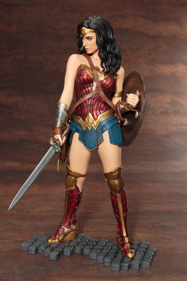 Action Figures: Marvel, DC, etc. - Página 5 WonderWoman_04