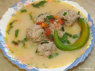 Ciorba de perisoare de casa reteta bors cu carne tocata de porc orez si legume retete supe ciorbe traditionale romanesti,