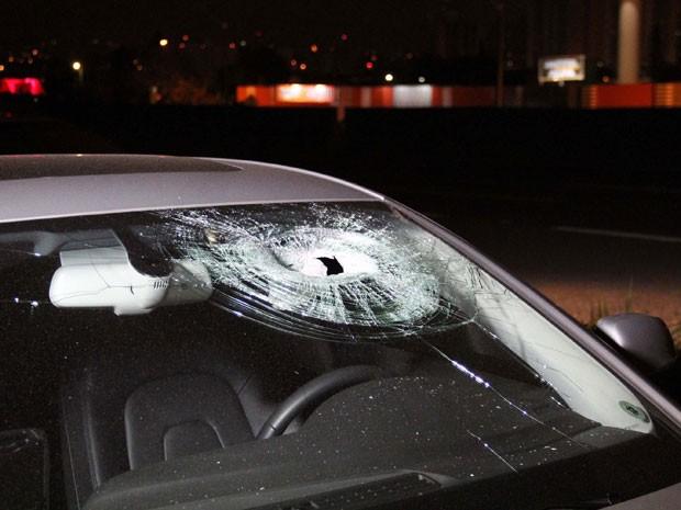 Assaltantes jogam pedras nos carros para roubar nas BRs 343 e 222