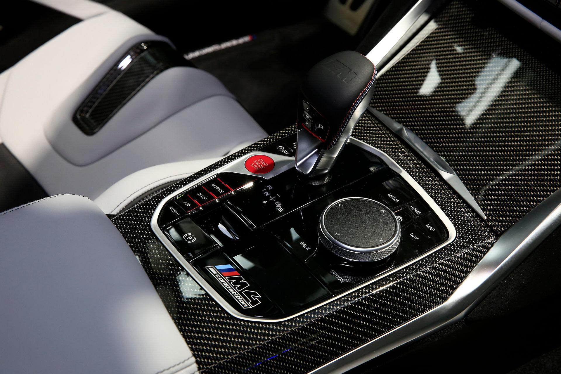 بي إم دبليو BMW M4 Competition محول السرعة