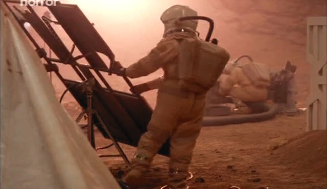 Destroyed base - Escape from Mars movie image