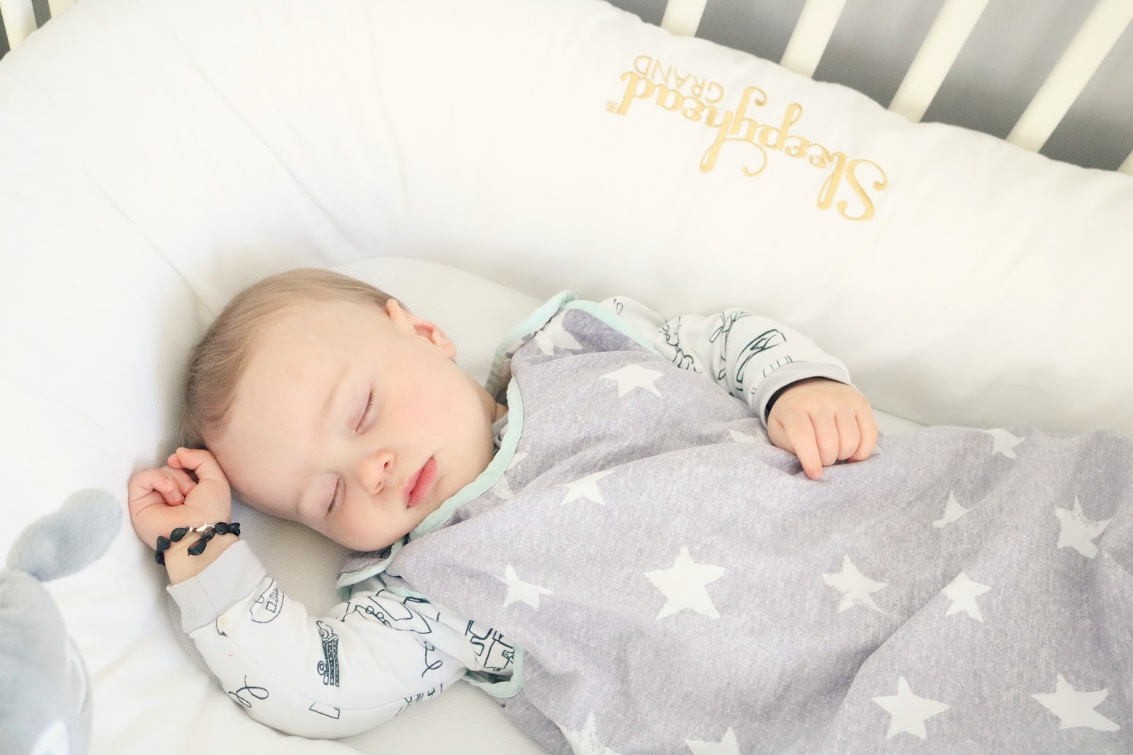 Why Does My Baby Wake In The Night K Elizabeth