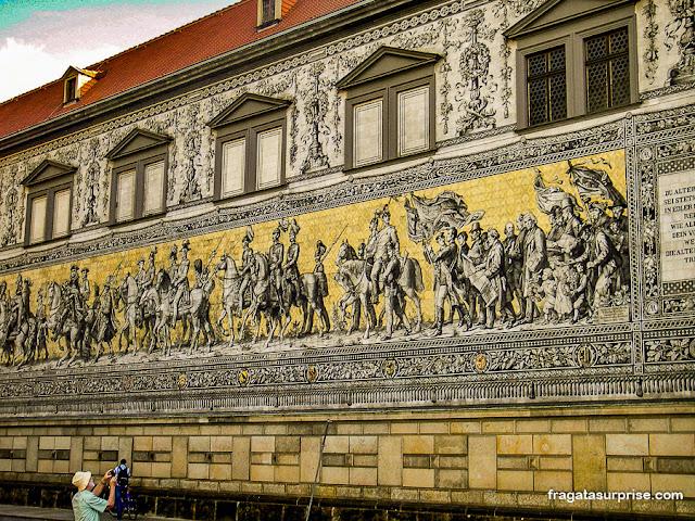 Fürstenzug, ou Cortejo dos Príncipes, em Dresden