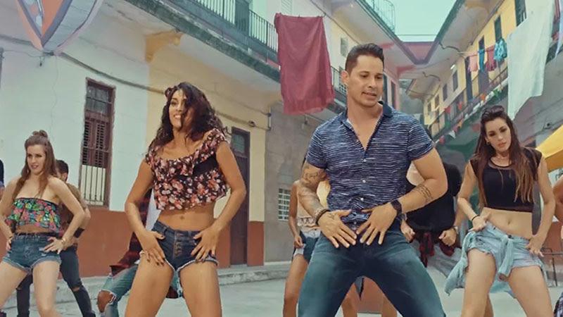 Leoni Torres - ¨Te pongo a bailar¨ - Videoclip - Dirección: Yeandro Tamayo Luvin. Portal Del Vídeo Clip Cubano - 01