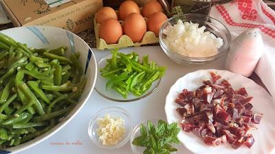 Revuelto de judías, jamón y huevos Granja de Vilane