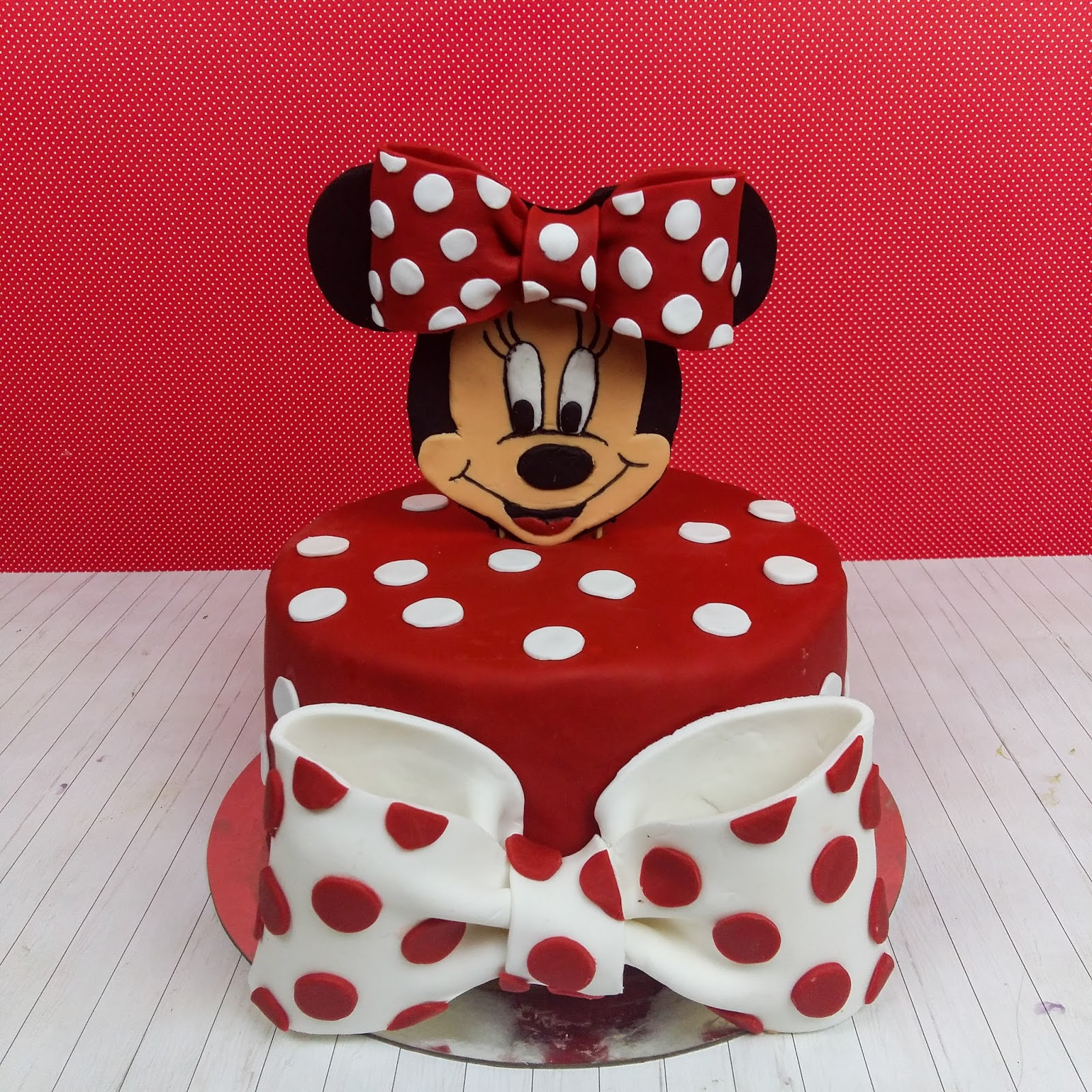 Kiras Bakery Minnie Mouse Torte Birthday Cake Motivtorte