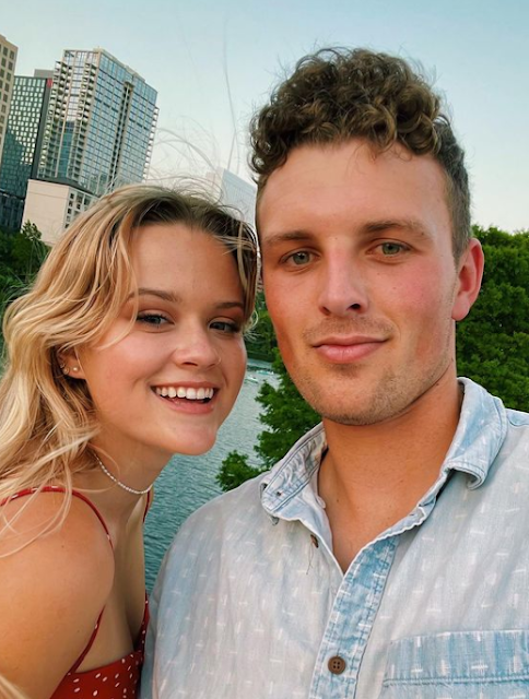 Ava Elizabeth Phillippe Age, reese witherspoon ryan phillippe daughter, hot, kai knapp, susan phillipe, wiki, biography