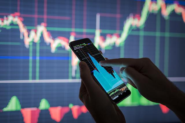 العوامل الاقتصادية التي تؤثر على سوق الفوركس