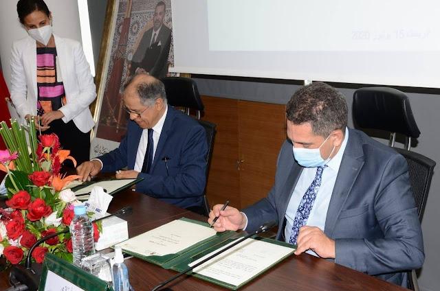 إبرام اتفاقية شراكة  رئيس مجلس المنافسة ادريس الكراوي ، ووزير التربية التكوين  سعيد أمزازي