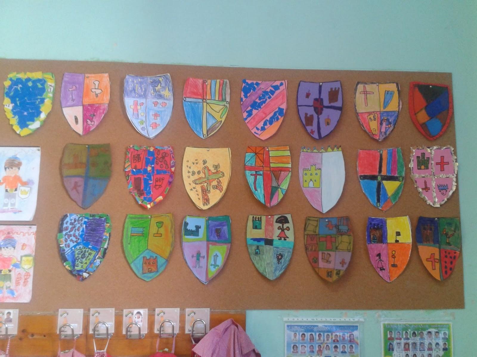 Los peques de feli defendiendo el castillo medieval - Manualidades castillo medieval ...