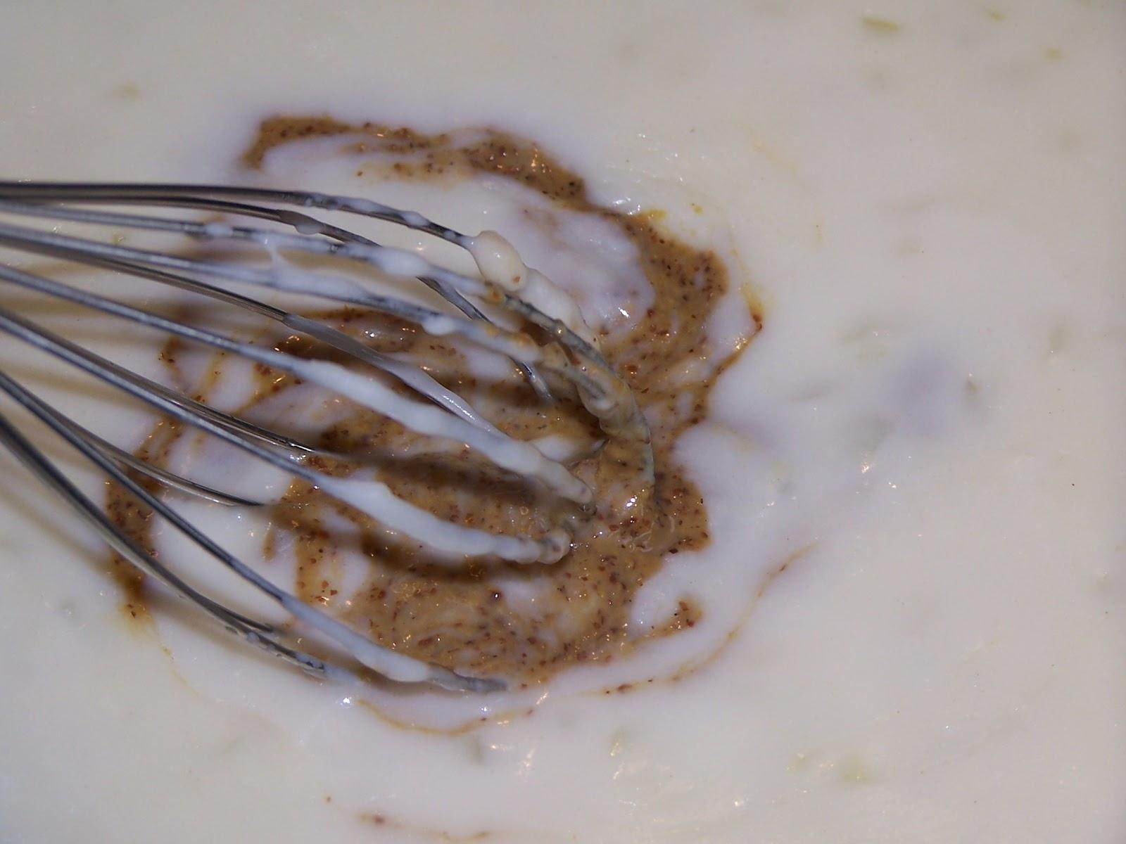 eier und senfsoße