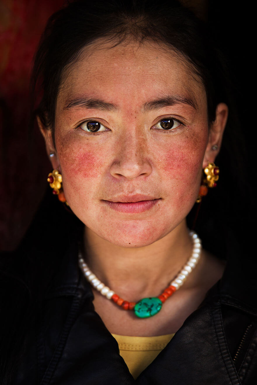 This Photographer Took Pictures Of Women From All Over The World. You'll Be Amazed By Their Beauty And Uniqueness! - Tibetan Plateau