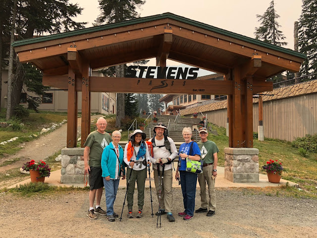 GoalTechHikes PCT Stevens Pass to Snoqualmie Pass - Hiker
