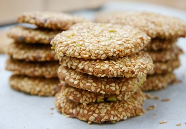 How to make sesame biscuits