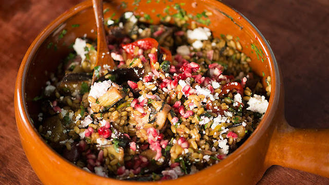 Freekeh salad with pomegranate seeds and molasses Freekeh salad with pomegranate seeds and molasses recipe