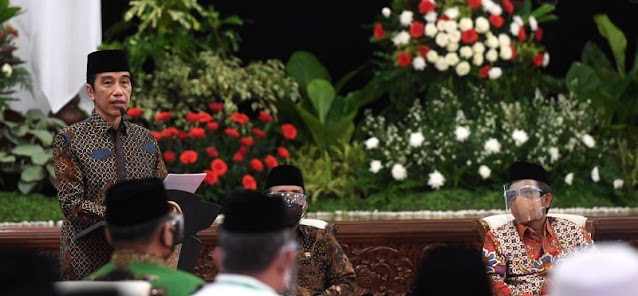 Ujang Komarudin: Saya Tak Percaya Jokowi Mereshuffle Kabinet Hanya Karena Survei