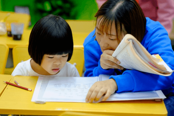 Hari Pertama Si Bungsu Masuk Sekolah 'Asli'