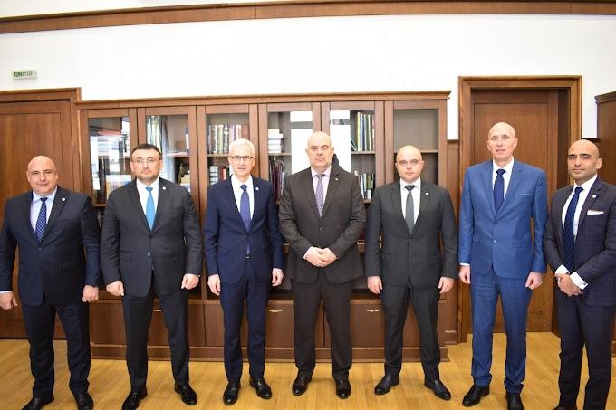 Главният прокурор Иван Гешев се срещна с генералния секретар на Интерпол Юрген Щок