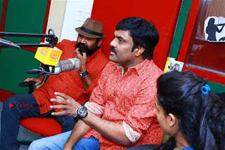 Sanjeev Chetana Uttej at Pichiga Nachav Song Launch at Radio Mirchi Pos  0026.jpg