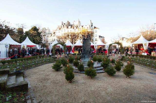 Mercatino di Natale a square Viviani-Parigi