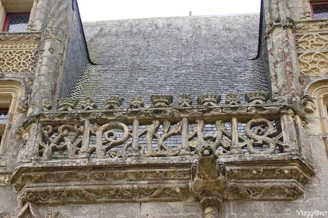Particolari di alcune delle decorazioni del castello di Josselin