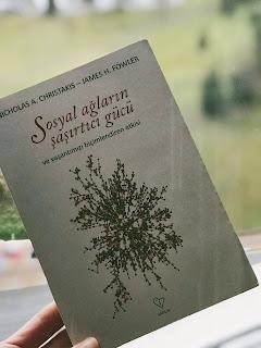 Sosyal Aglarin Sasirtici Gucu ve Yasantimizi Bicimlendiren Etkisi (Kitap)