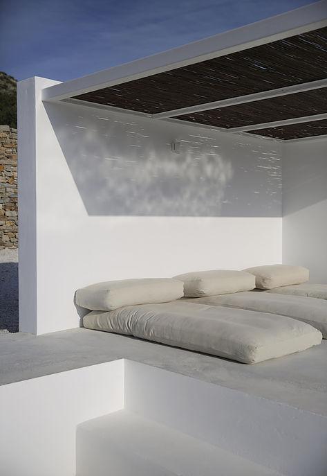 Weekday Wanderlust | Places: Maison Kamari, Paros, Greece