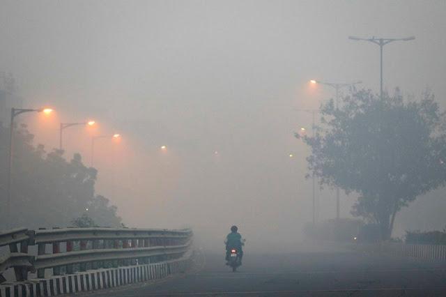 प्रदूषण पर दिल्ली सरकार को फटकार