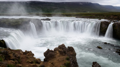 Secular scientists have no idea how waterfalls form, but they assume deep time and gradual processes. New research contradicts those assumptions.