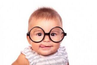 bebek göz muayenesi
