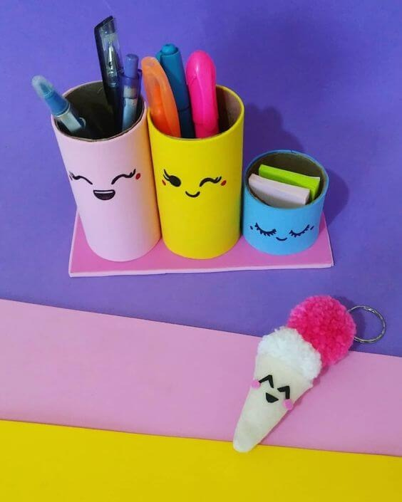 Pen holder made with toilet paper roll