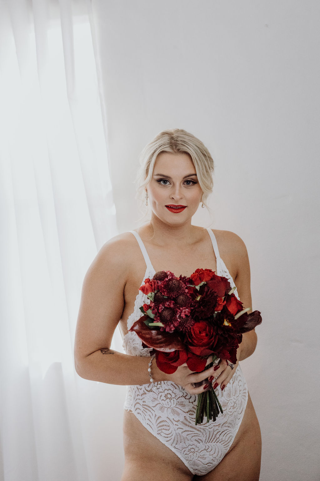 images by emma jade photography bridal boudoir shoot florals lingerie hairstyles