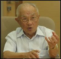 Biografi dan Profil Boenjamin Setiawan - Dokter Terkaya Pendiri Kalbe Farma