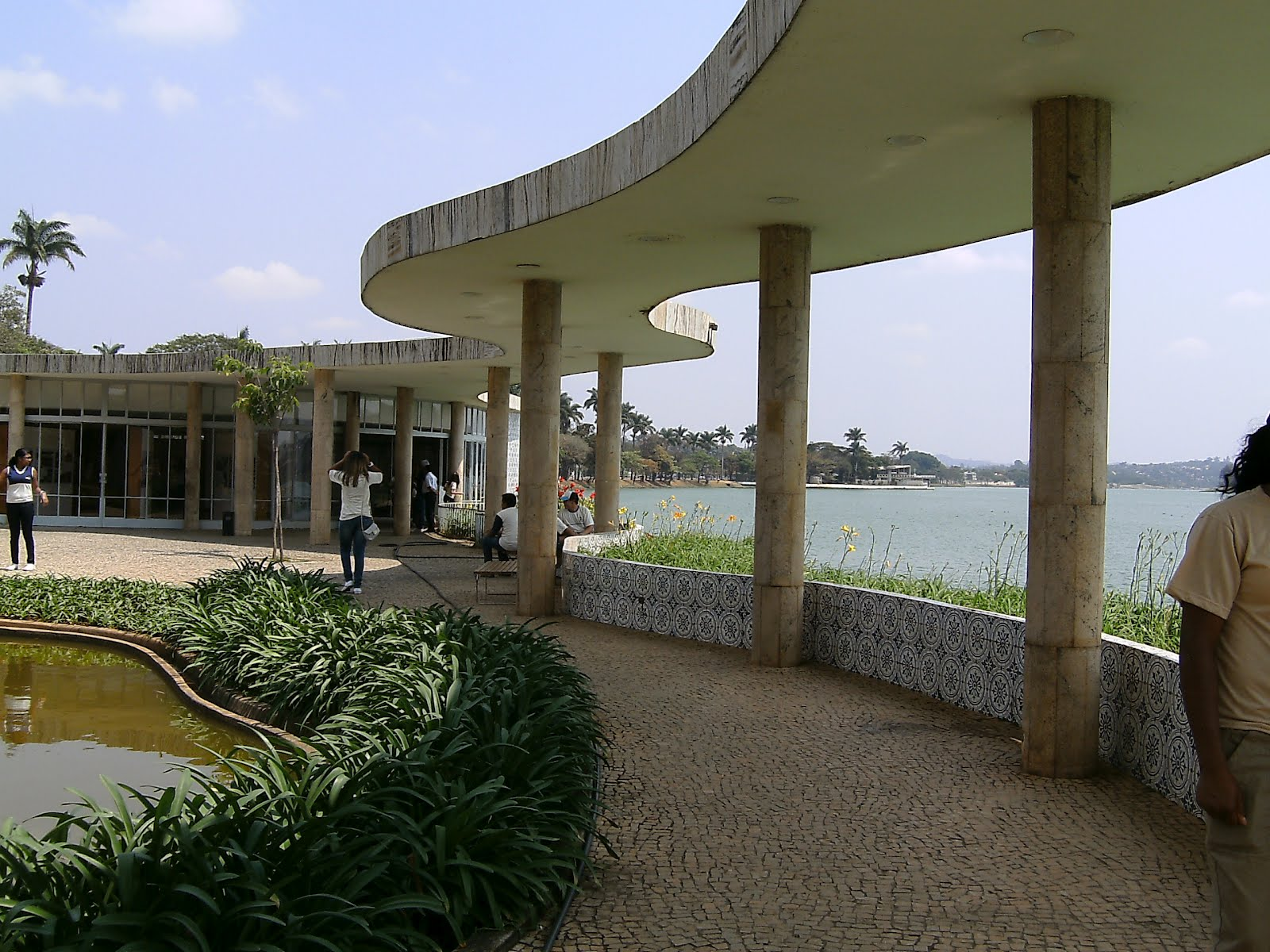 Arquitecturavillavisencio casa do baile na pampulha em for Fachadas de casas modernas em belo horizonte